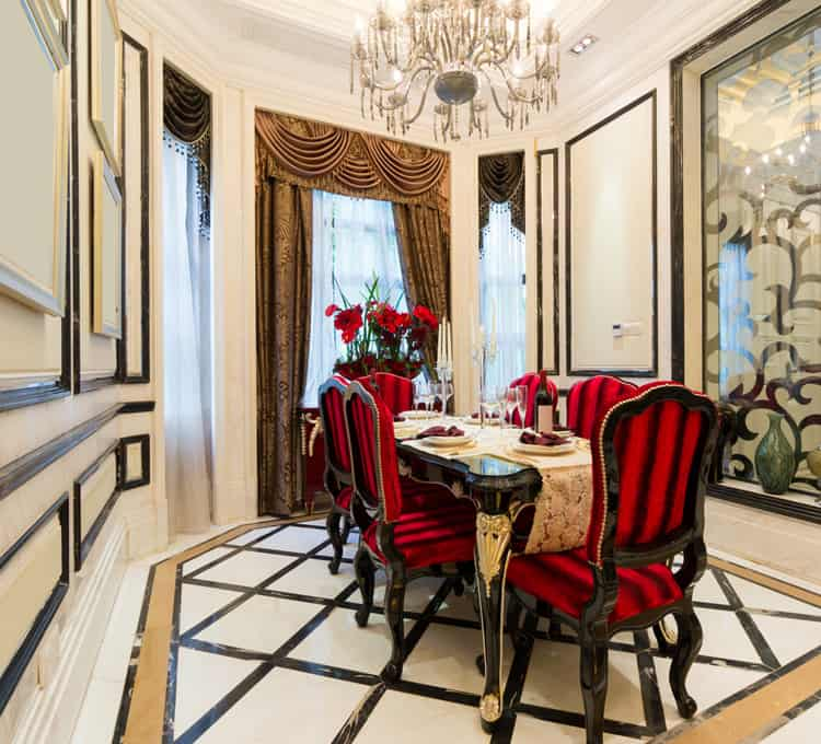 dining room luxurious 32 169573586