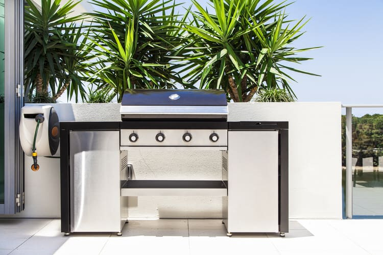 outdoor kitchens 31 121578481
