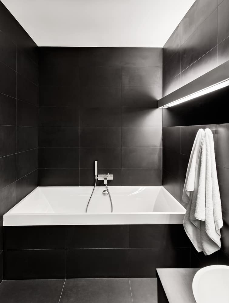 Black and White Bathrooms 112