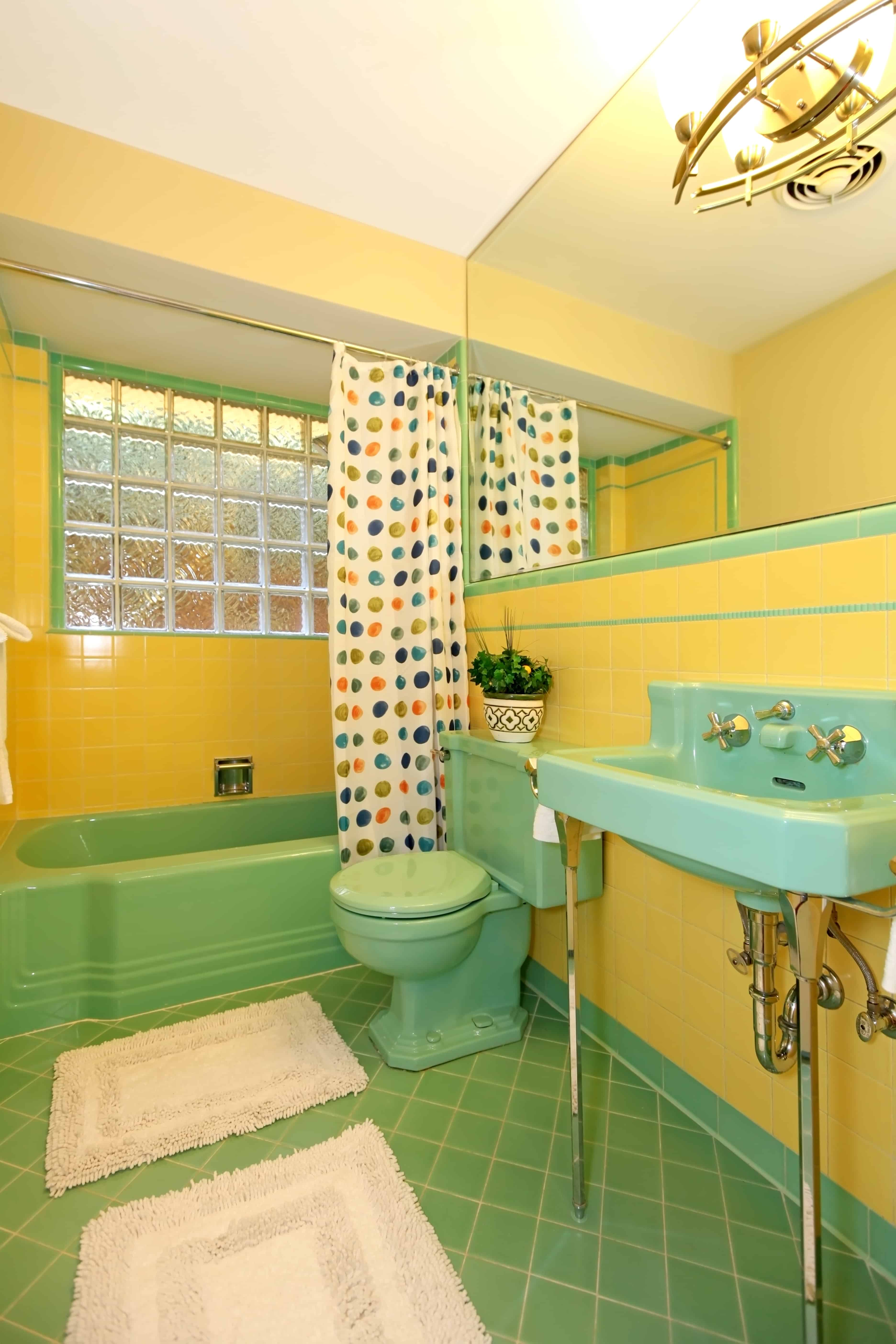 Green Bathrooms 25