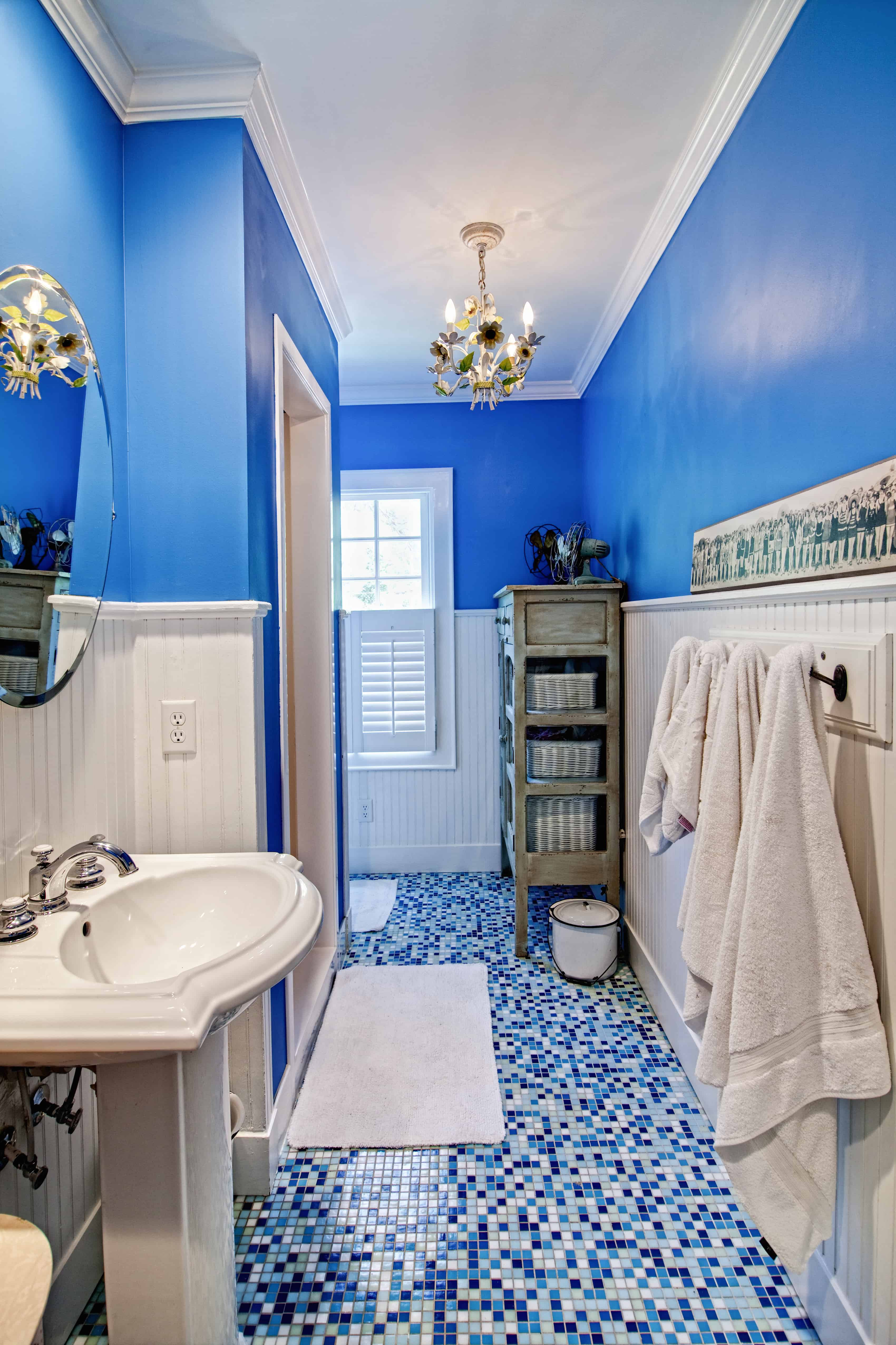 Blue Bathrooms 76