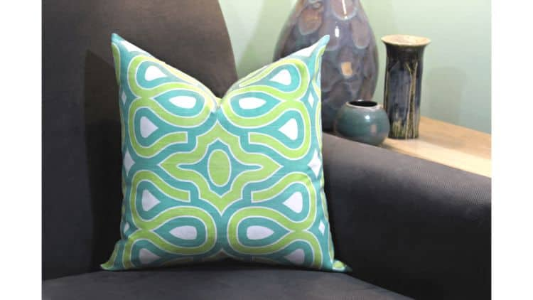 Matching pillows with design can be difficult if you can't find the right pattern or the perfect colors in the kind of pillow you want. It can be a real struggle trying to find an ideal match. With a DIY pillow you only need to find the right material to make your own matching pillows. Make the perfect throw pillows for any room with this design.
