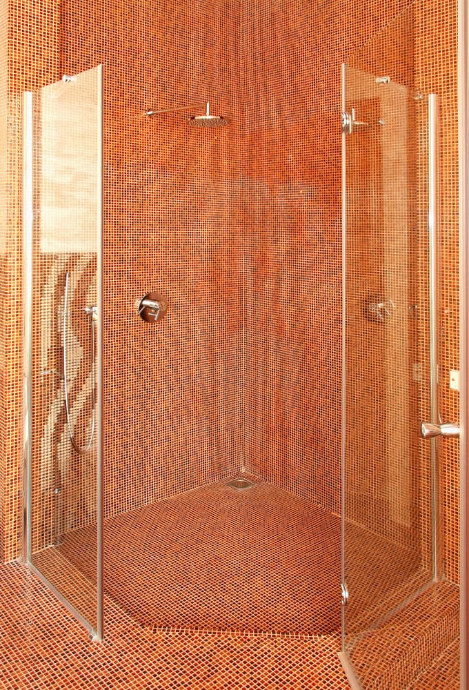 Bathrooms With Frameless Shower Doors 35
