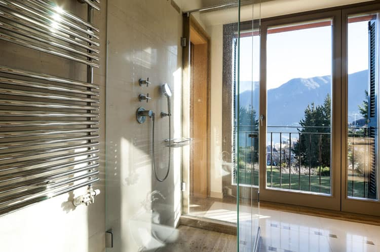 Bathrooms With Frameless Shower Doors 42