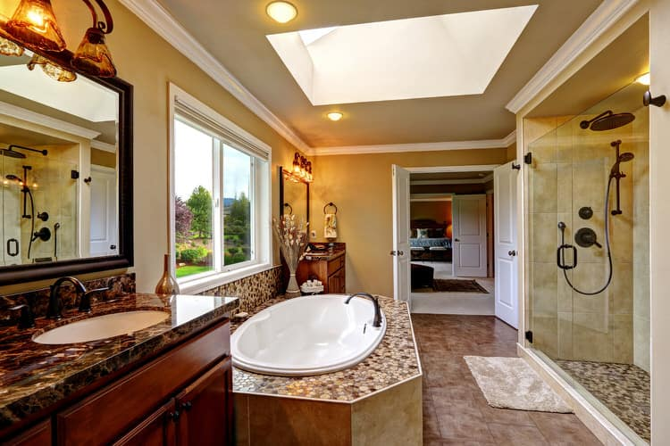 Modern Luxurious Master Bathrooms 199