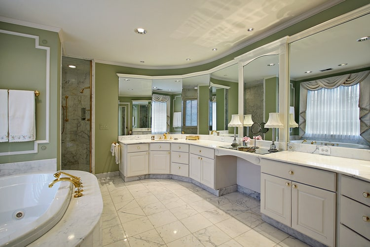 Modern Master Bathrooms 163