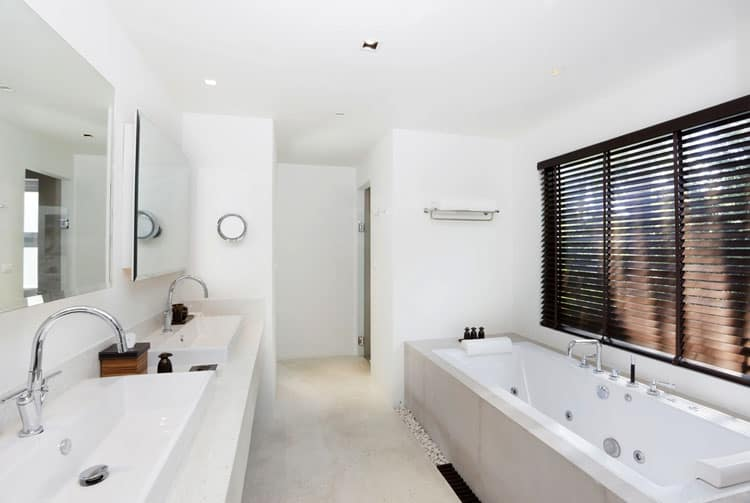 White Bathroom Ideas 238