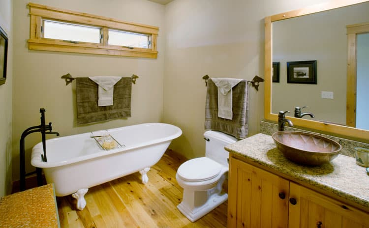 Modern and Antique Clawfoot Tub Bathroom Ideas 1