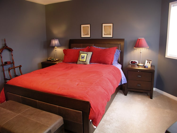 20 Red Bedrooms 6