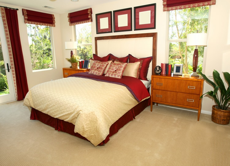 20 Red Bedrooms 13