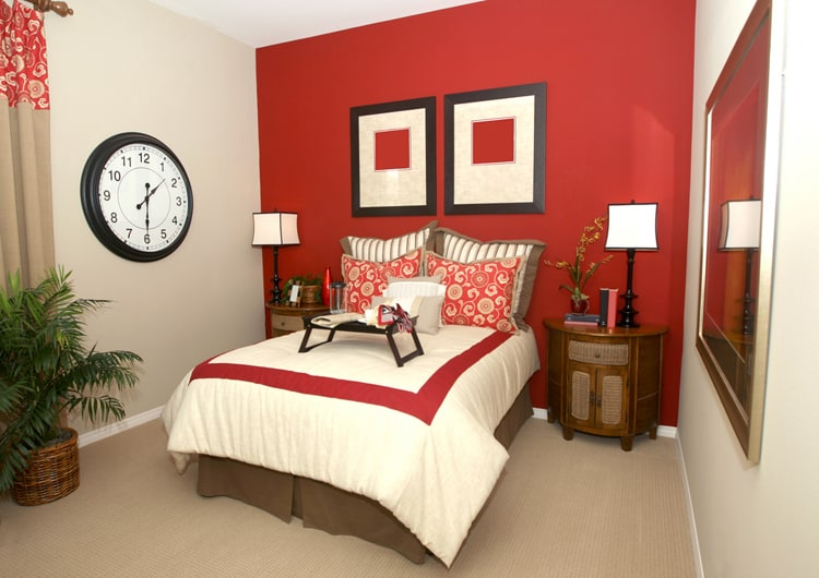 20 Red Bedrooms 14