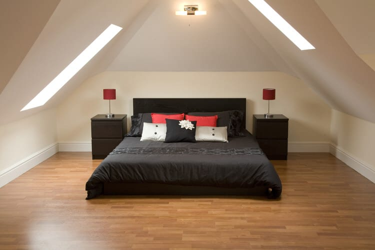 41 Fantastic Red and Black Bedrooms 92