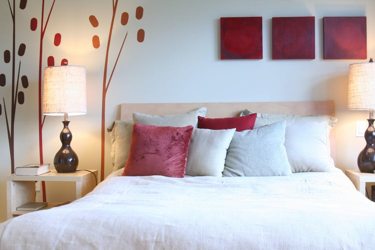 41 Fantastic Red and Black Bedrooms 111