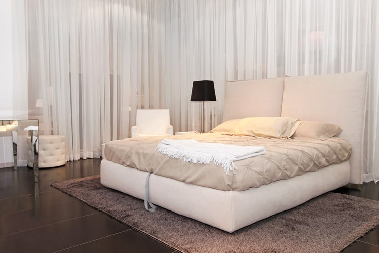 White Bedroom Decorating Ideas 21