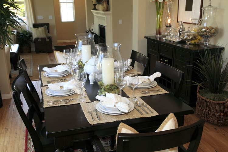 Modern Dining Room Decorating Ideas 14