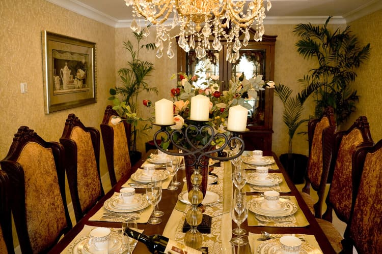 Modern Dining Room Decorating Ideas 19