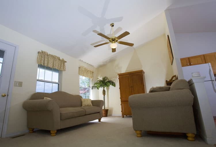 Modern Living Room Ceiling Fan Ideas 7