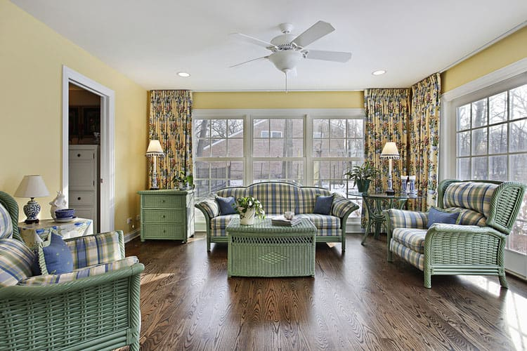 30 Living Rooms With Hardwood Floors 109