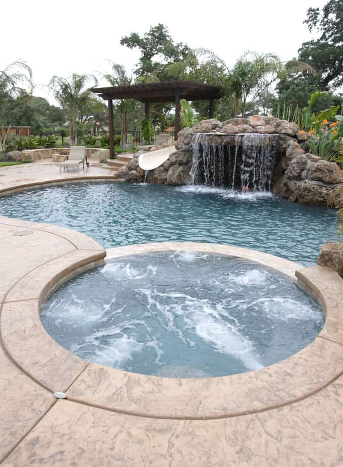 Simple and Small backyard pool ideas 6