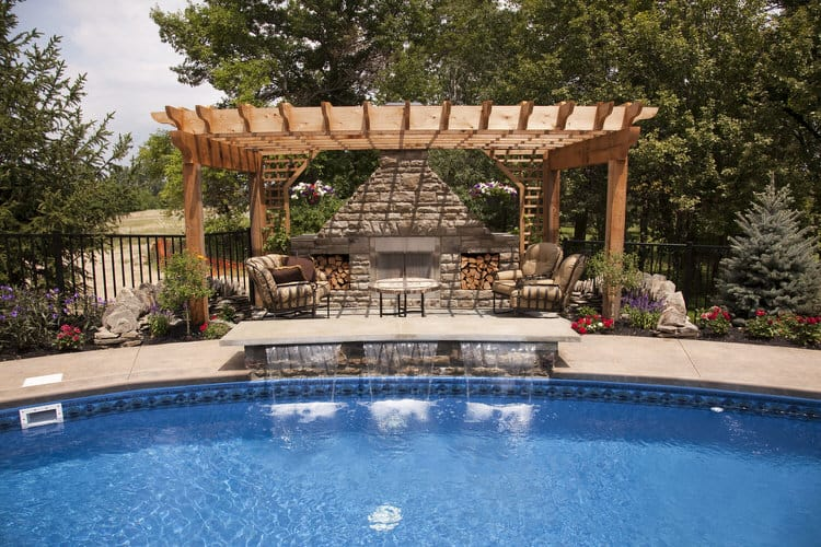 Simple and Small backyard pool ideas 5