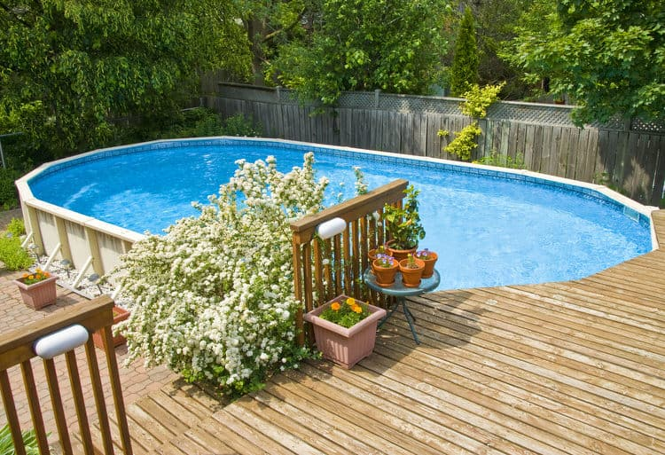 Simple and Small backyard pool ideas 9