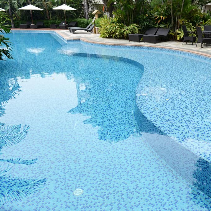 Simple and Small backyard pool ideas 15