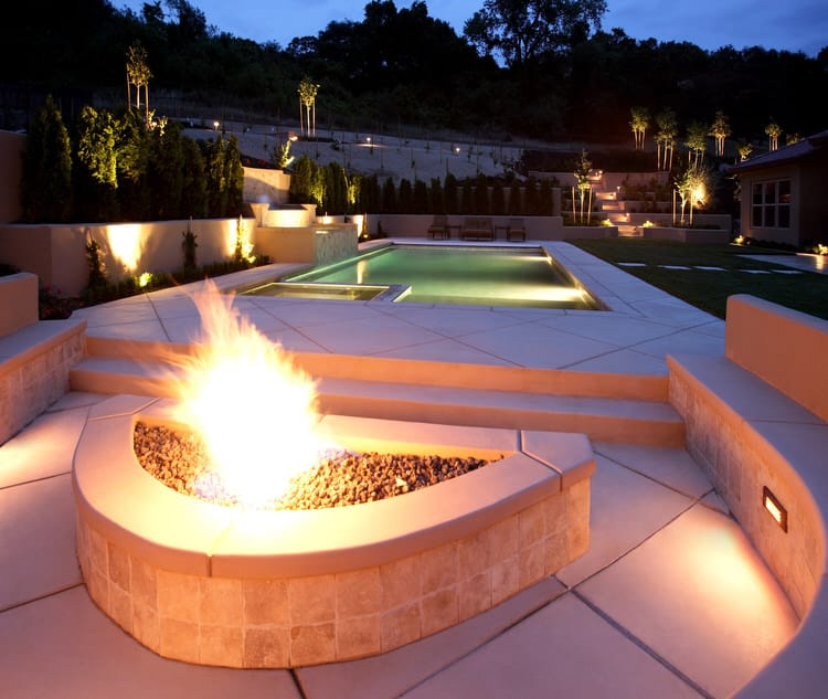 Simple and Small backyard pool ideas 21