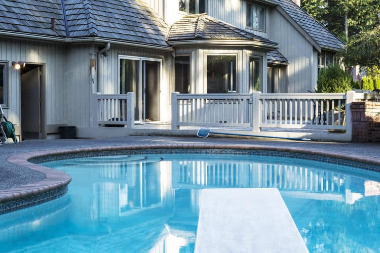 Simple and Small backyard pool ideas 24