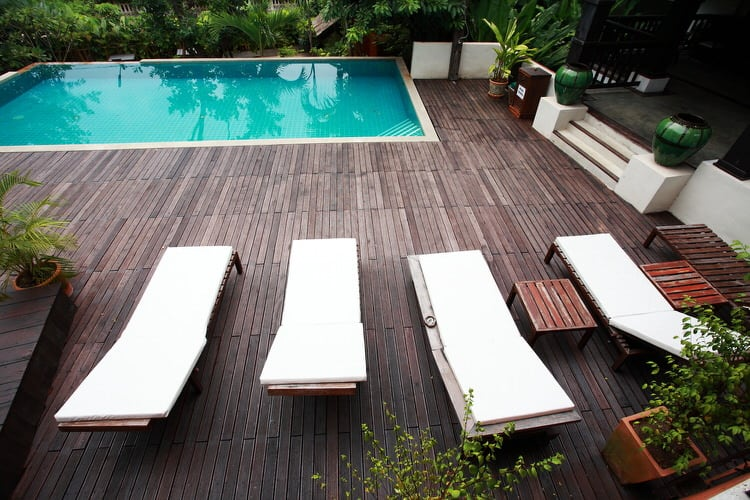 Simple and Small backyard pool ideas 25