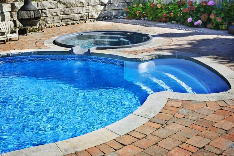 Simple and Small backyard pool ideas 26