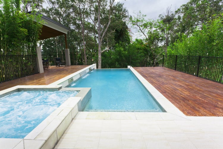 Simple and Small backyard pool ideas 29