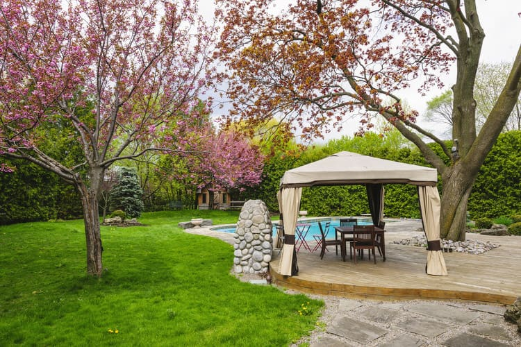 Small Outdoor Patio Ideas 9