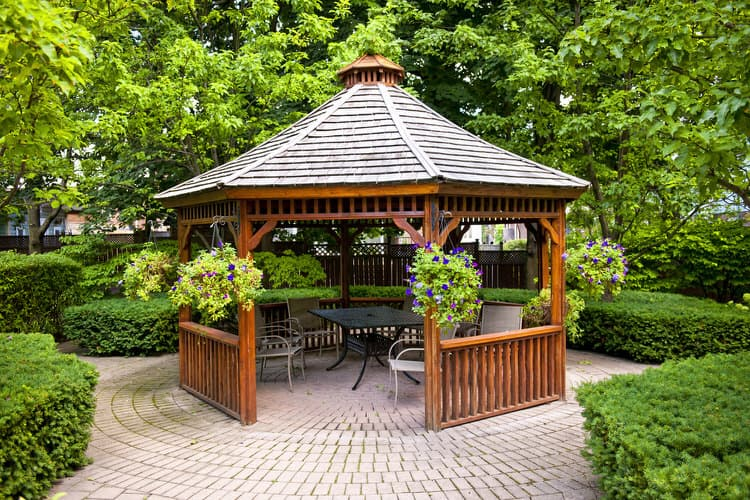 Small Outdoor Patio Ideas 10