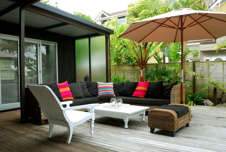 Small Outdoor Patio Ideas 22