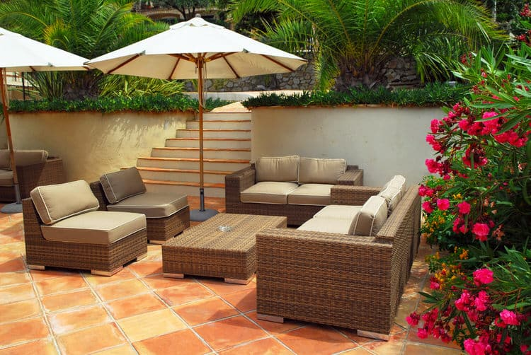 Small Outdoor Patio Ideas 24