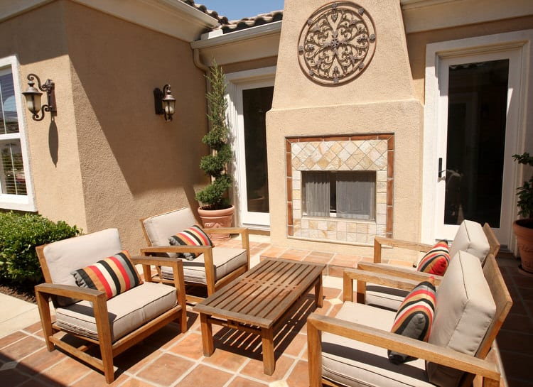 Small Outdoor Patio Ideas 34